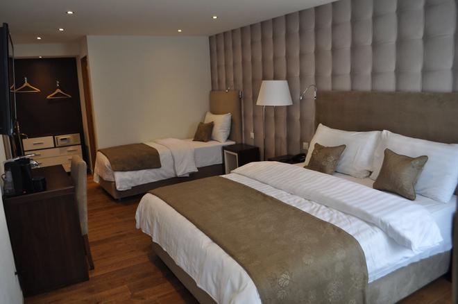 Hotel de Savoie - Моргес - Спальня