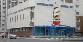 Korsar Hotel - נור-סולטן