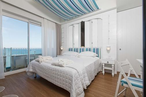 Hotel Luxor Beach - Cattolica - Bedroom