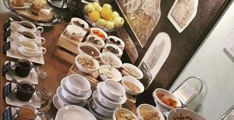 Hotel Euterpe - קלאיפדה - מסעדה