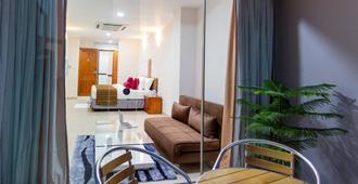 Novina - Malé - Living room