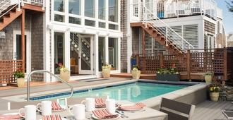 8 Dyer Hotel - Provincetown - Piscina