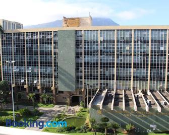 Panorama Hotel - Говернадор Валадарес - Building