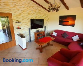 Tunia - Strunjan - Living room