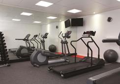 Adina Apartment Hotel Sydney Central - Sydney - Gym