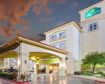 La Quinta Inn & Suites by Wyndham Lawton / Fort Sill - Лотон - Будівля