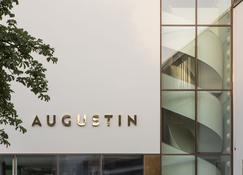 Jugend- und Familienhotel Augustin - Múnich - Servicio de la habitación