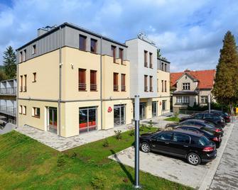 Centrum Konferencyjne Kalina - Lądek Zdrój - Building