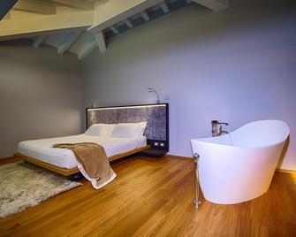 Villa Neri Resort & Spa - Linguaglossa - Bedroom