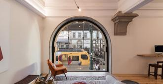 The Passenger Hostel - Porto - Wohnzimmer