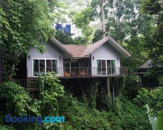 Rock and Tree House Resort - Khlong Sok - Building