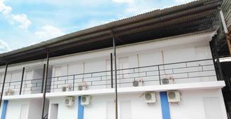Kamar Keluarga Kalideres II Syariah - Jakarta - Toà nhà