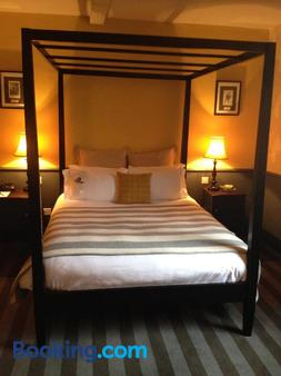 The Crown And Thistle - Abingdon - Bedroom