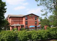 Extended Stay America - Cleveland - Middleburg Heights - Middleburg Heights - Rakennus