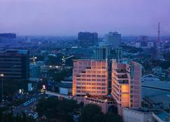 Hotel Ciputra Semarang Managed By Swiss-Belhotel International - Semarang - Outdoors view