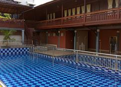 Grand Malaka Ethical Hotel - Palembang - Pool