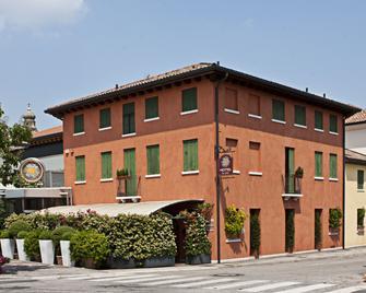 Locanda Al Sole - Castello di Godego - Будівля
