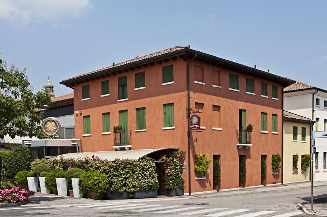 Locanda Al Sole - Castello di Godego - Gebäude