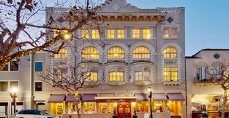 The Monterey Hotel - מונטריי - בניין