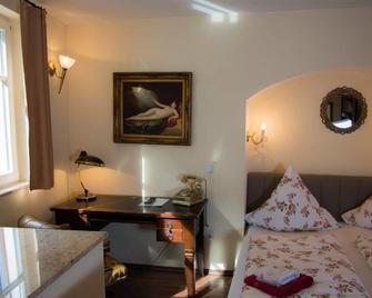 Kleine Villa Rose - Eltville am Rhein - Bedroom