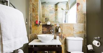 Beaumont House - Cheltenham - Bathroom