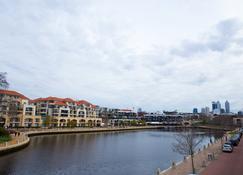 Regal Apartments - Perth - Vista del exterior
