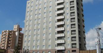 Hotel Route-Inn Kitakyushu-Wakamatsu Ekihigashi - Kitakyushu - Building