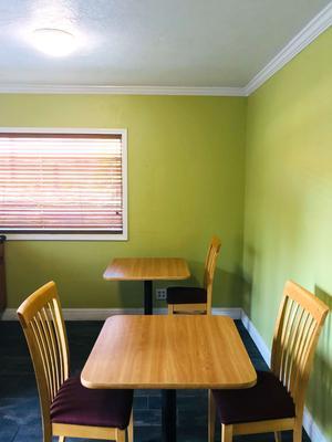 Americas Best Value Inn Visalia - Visalia - Dining room
