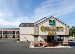Quality Inn Lynchburg near University - Lynchburg - Building