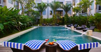 Umalas Hotel And Residence - North Kuta - Pool