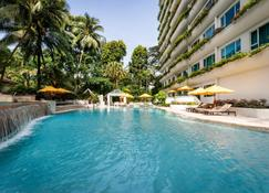 Shangri-La Apartments - Singapore - Pool