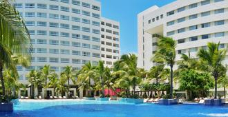 Grand Oasis Palm - Cancún - Building