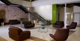 Holiday Inn Queretaro Zona Krystal - Santiago de Querétaro - Lobby