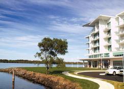 Ramada Hotel & Suites by Wyndham Ballina Byron - Ballina - Bina