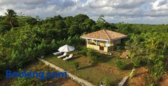 The Horizon Hill Top Villa - Unawatuna - Building