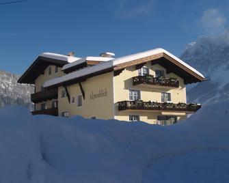 Gästehaus Alpenblick Lermoos - Lermoos - Building
