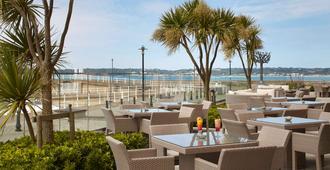 Radisson Blu Waterfront Hotel, Jersey - Saint Helier - Patio