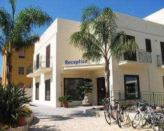 Hotel Sikania - San Vito Lo Capo - Gebouw