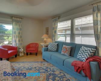 West Bremerton Cozy Home - Bremerton - Living room