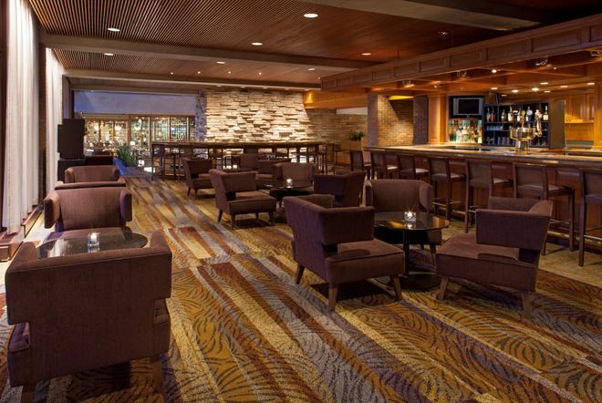 The Hyatt Lodge At Mcdonald's Campus - Oak Brook - Bar