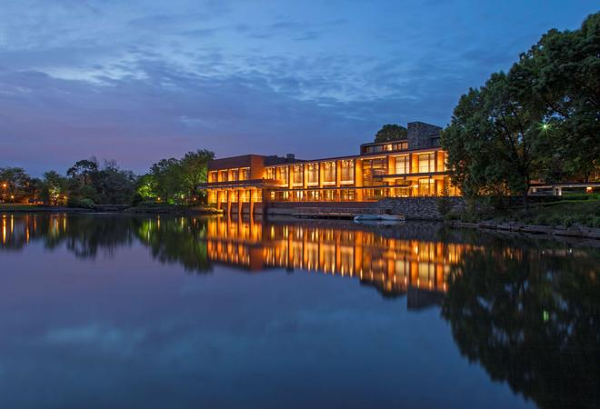 The Hyatt Lodge At Mcdonald's Campus - Oak Brook - Building