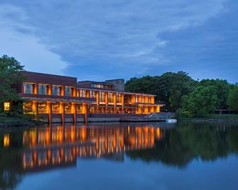 Hyatt Lodge - Oak Brook - Будівля