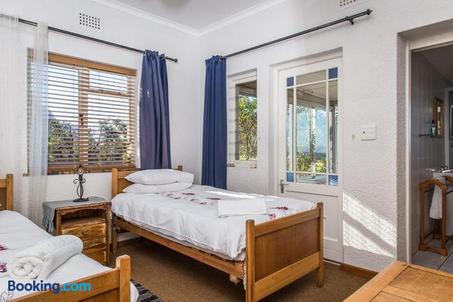 The Trail House - Betty's Bay - Bedroom