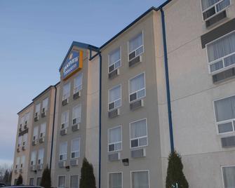Lakeview Inns & Suites - Fort Saskatchewan - Fort Saskatchewan - Building