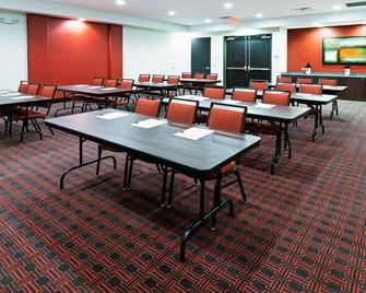 Holiday Inn Express & Suites Duncan - Duncan - Meeting room