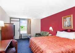 Days Inn by Wyndham Martin - Martin - Bedroom