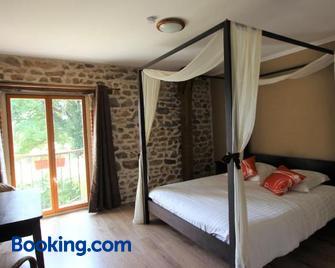 Chambres D'hôtes Combrailleurs - Saint-Gervais-d'Auvergne - Bedroom