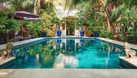 聖廷苑酒店 - 金邊 - 金邊 - 游泳池