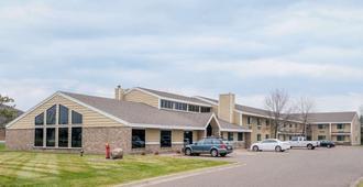 Days Inn & Suites by Wyndham Baxter Brainerd Area - Baxter