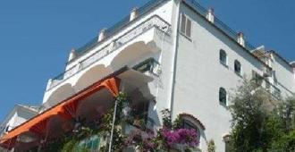 Hotel La Perla - Praiano - Bygning